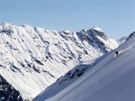 In the mountains with Elias Ortner | Mike Wiegele